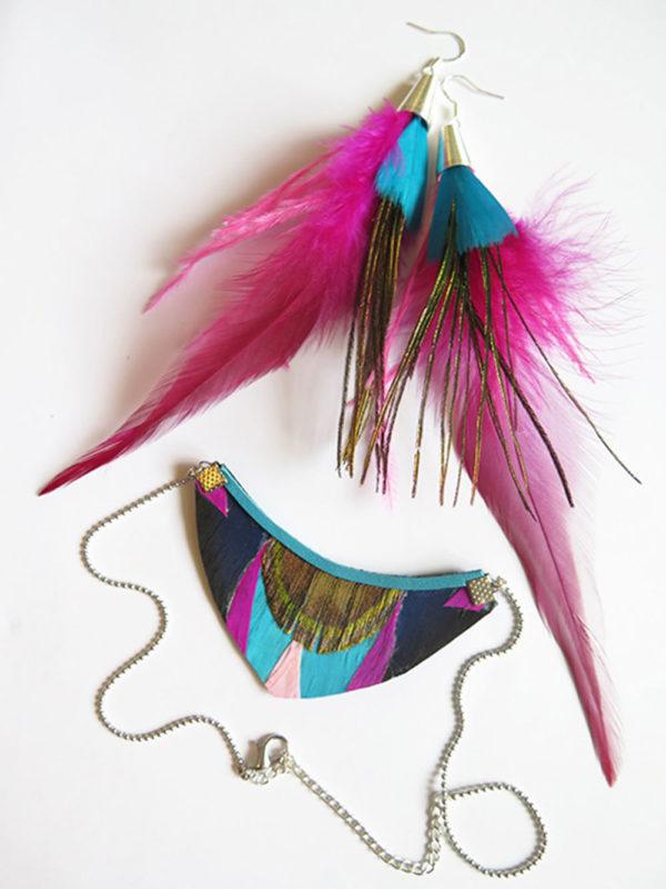 parure-boucle-d'oreille-plume-et-collier