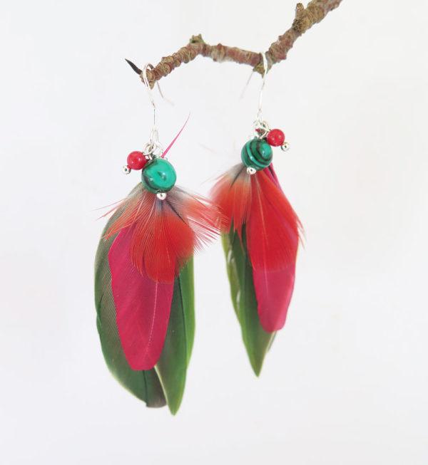 boucle-d'oreille-plume-naturelle-rouge-pierre