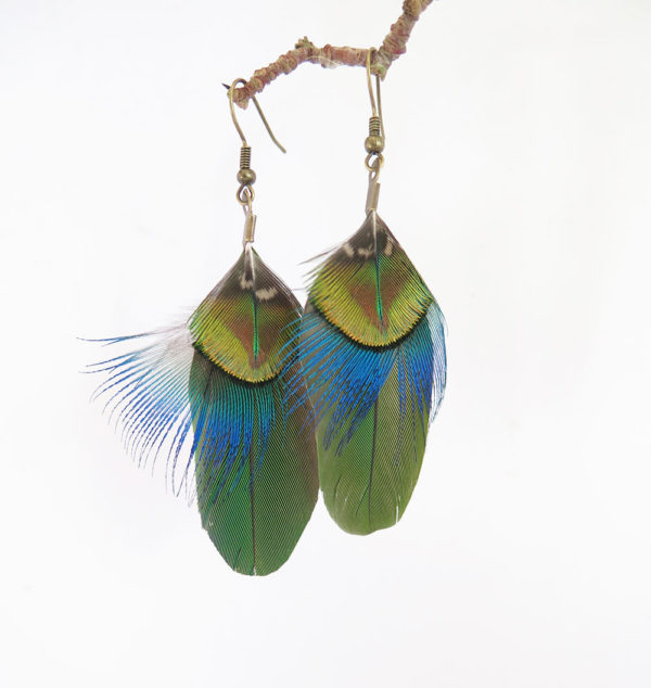 boucle-d'oreille-plume-naturelle-vert