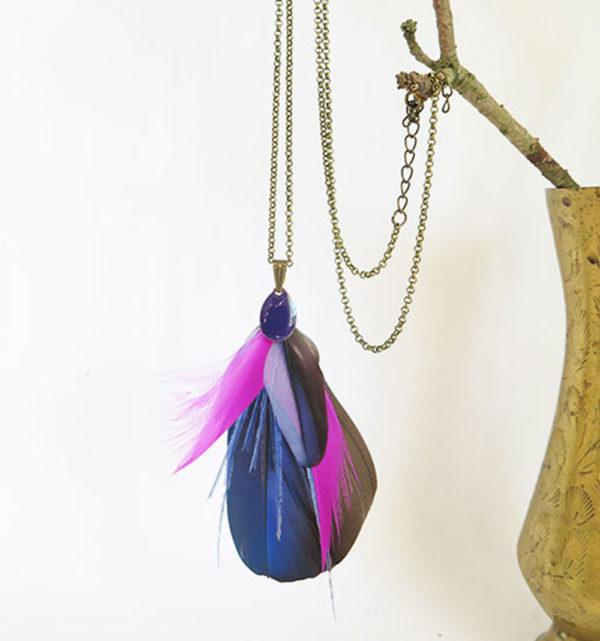 collier-plume-naturelle-violet